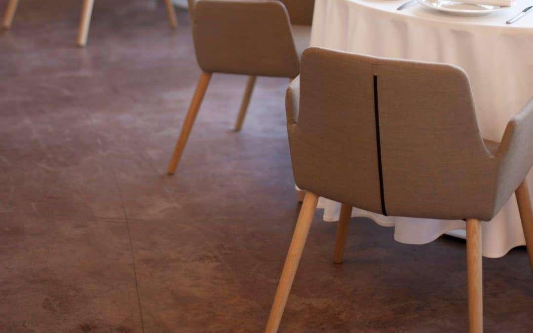 restaurante con sillas para hostelería tapizadas