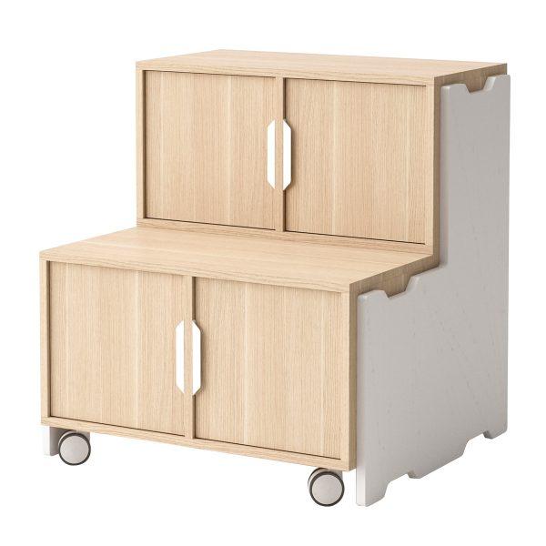 Toteem grada con 2 módulos con puertas, 1 un módulo sin puertas y ruedas. Color roble