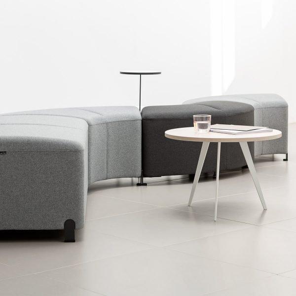 Mesa de centro y sillones Bend
