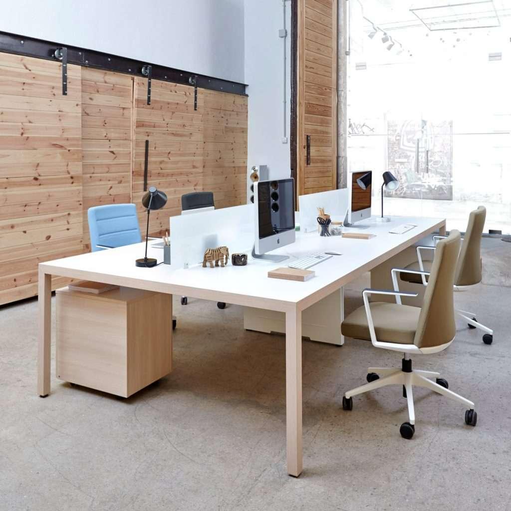 Mesa de oficina compartida