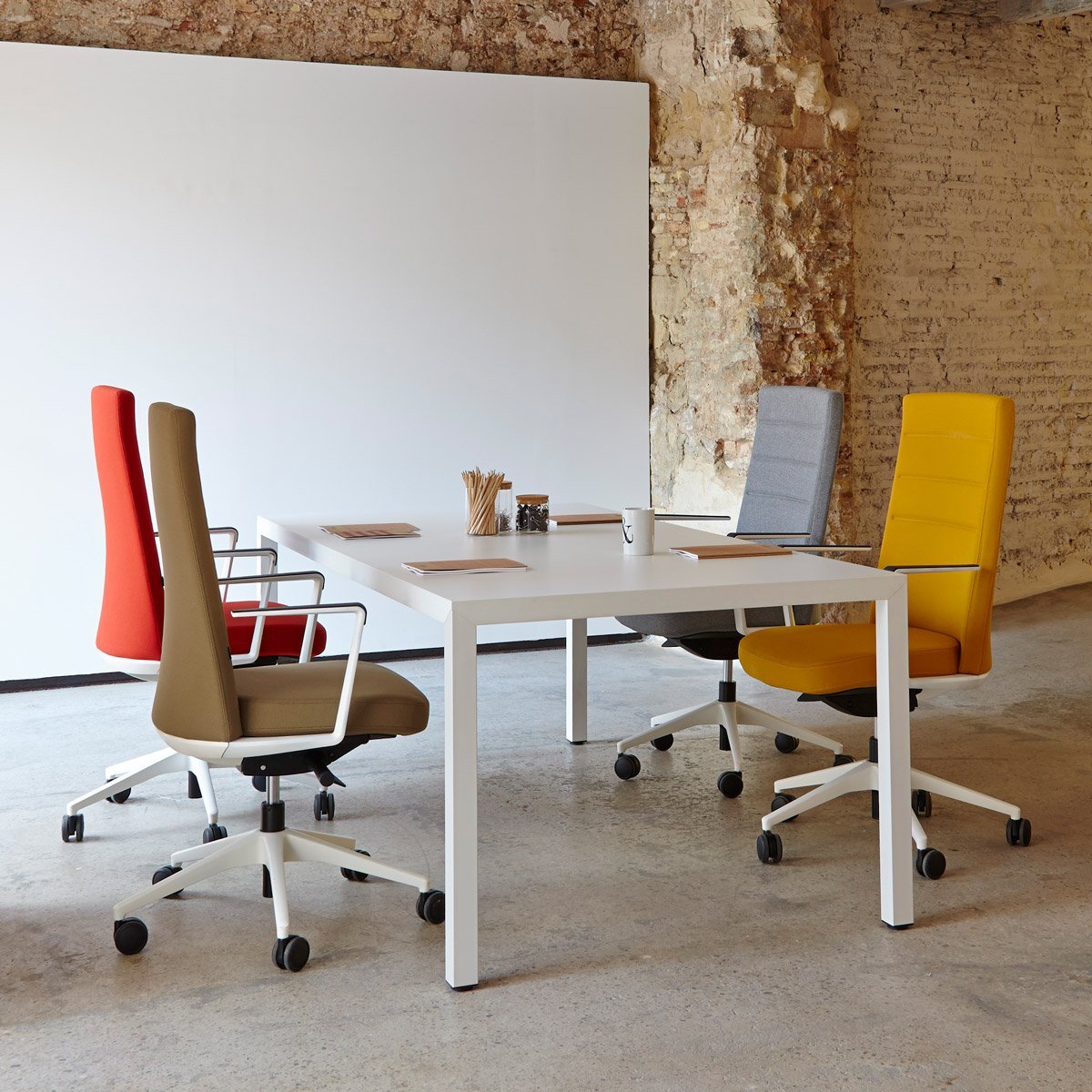 Cómo elegir la mesa de trabajo que mejor se adapta a ti - 49 PR 4