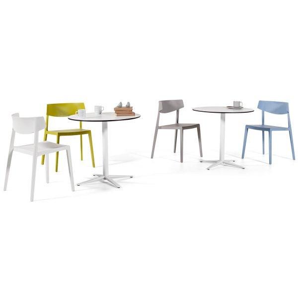 Mesas de cafetería con sillas Wing