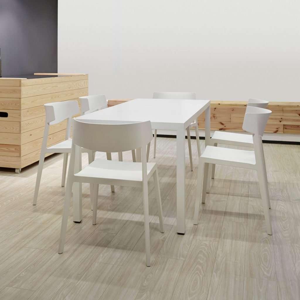 mesa de reuniones Prisma con sillas Wing