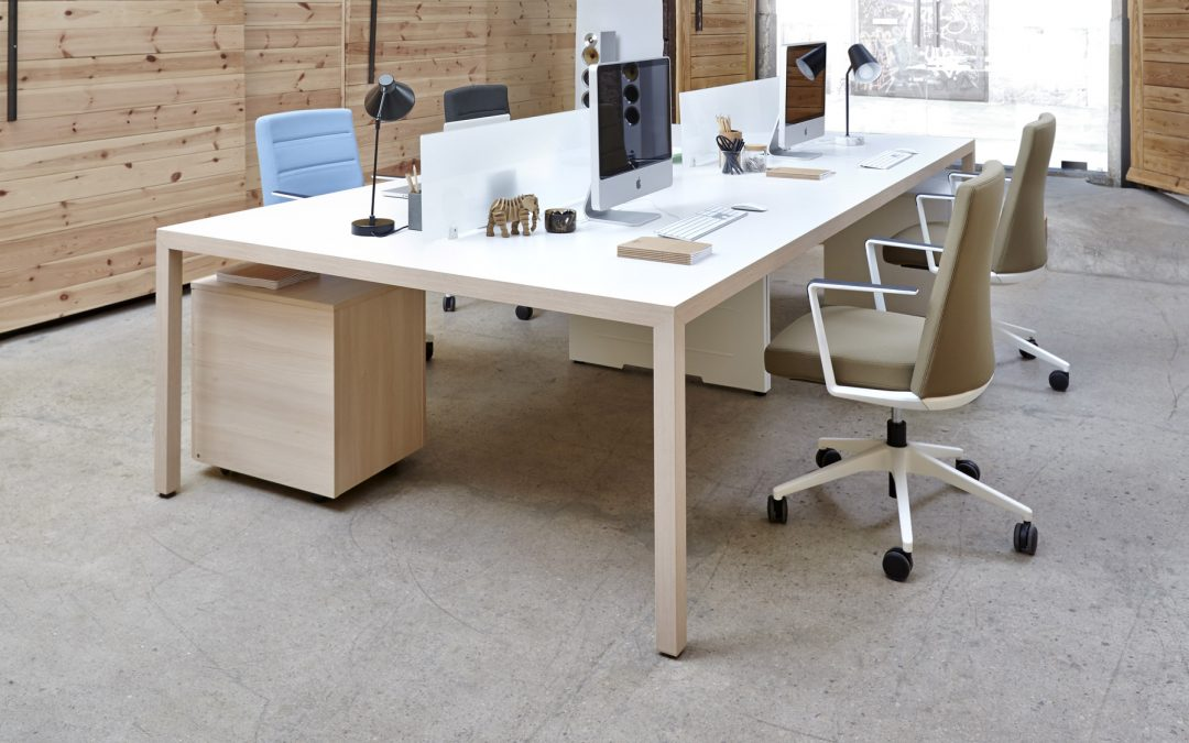 mesa Prisma de oficina para trabajo colaborativo