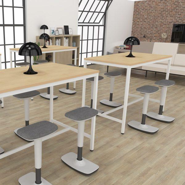 mesas altas Line con taburetes Tritt